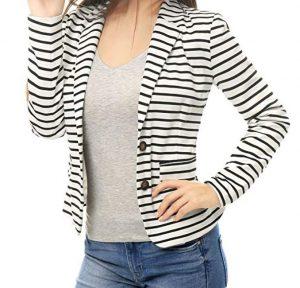 chaqueta de lineas blancas con negro